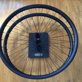 """Gewicht Asiancyclexpress Systemlaufräder ACE-DTM933S 29"""", VR: 100/15, HR: 142/12"""