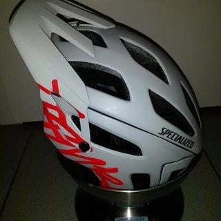Gewicht Specialized Helm Ambush Small