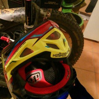 Gewicht Troy Lee Designs Helm D3 Composite Cadence M