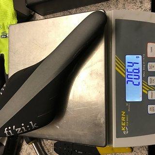 Gewicht fi'zi:k (Fizik) Sattel Arione R3 RACE EDITION