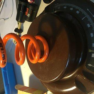 Gewicht Fox Racing Shox Feder SLS (1.385 ID X 550 lb/in, 2.25 Travel) (1.385 ID X 550 lb/in, 2.25 Travel)