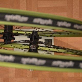 "Gewicht Hope Systemlaufräder Evo 40T + Spank Spike Race 28 + Sapim Race 26"", 20x110, 12x142"