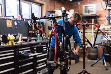 Die Bikes sind bereit! Schon heute startet das Team Corendon-Circus auf Canyon-Rädern!