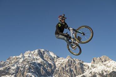 Remy Carra bei einem 360 Barspin