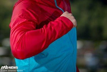 Obacht bei dicken Unterarmen: Beim Beugen des Armes kann es hier eng werden