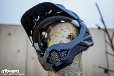 Der King Carapax kombiniert die Helmschale des Carapax mit einem abnehmbaren Kinnbügel