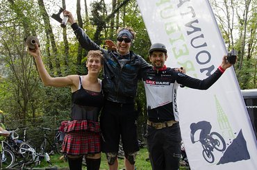 In der Herren-Wertung sicherte sich Sönke Wegner den ersten Platz vor Heiko Gutmann und Andi Kleiber, der nicht nur durch seine schnelle Zeit sondern auch durch das gelungene Outfit auffiel.