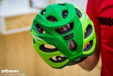 Der Enduro-Helm bekommt nun in den eigenen Reihen zwei zusätzliche Modelle zur Seite gestellt.
