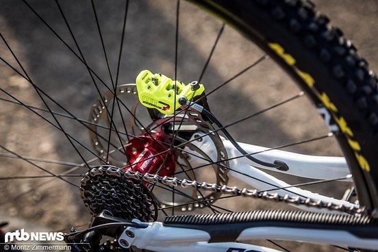 Die Magura MT7-Bremse ist nicht nur optisch ein Hingucker, sondern sorgt auch für brachiale Verzögerung.