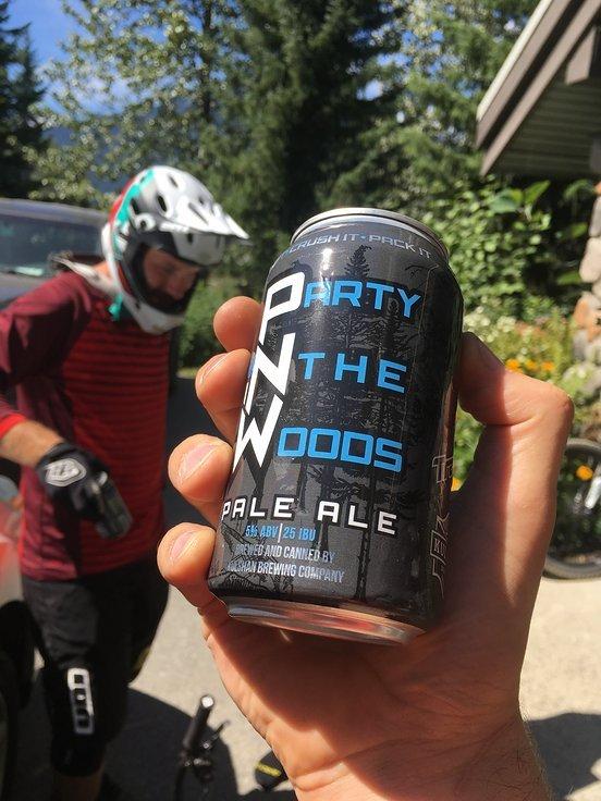 ... oder das brutal leckere IPA von Transition Bikes. Ein Bierchen nach dem Biken ist zumindest in Kanada ziemlicher Standard