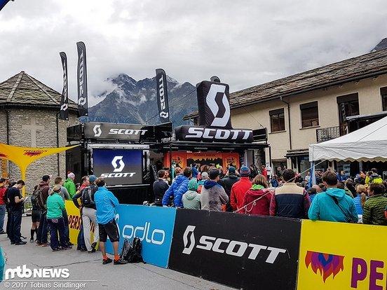 Eröffnungsfeier des Swiss Epics 2017: Das Etappenrennen startet in diesem Jahr in Grächen.