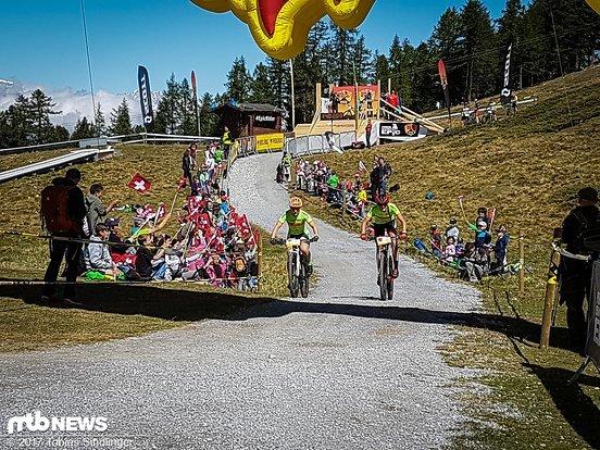 Schweizer ihr seid genial! Einige Schulklassen kamen zum Start auf den Berg und sorgten für eine wirklich coole Stimmung!