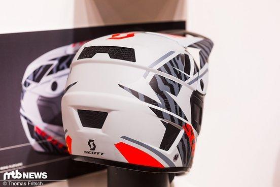 Der Nero ist zusätzlich noch in schwarz erhältlich und kommt zu guten Konditionen: 229 € kostet der Helm