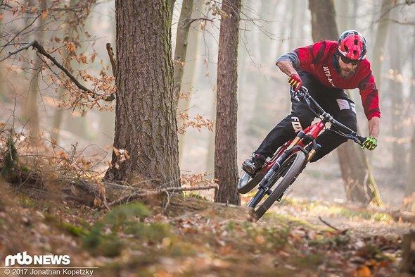 Fast 20 Jahre in der Bikebranche, über 30 auf dem Bike – und noch immer schnell wie die Feuerwehr!