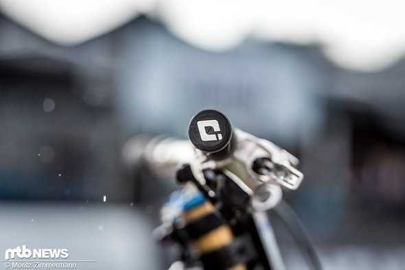 bike-check-aaron-gwin-3302