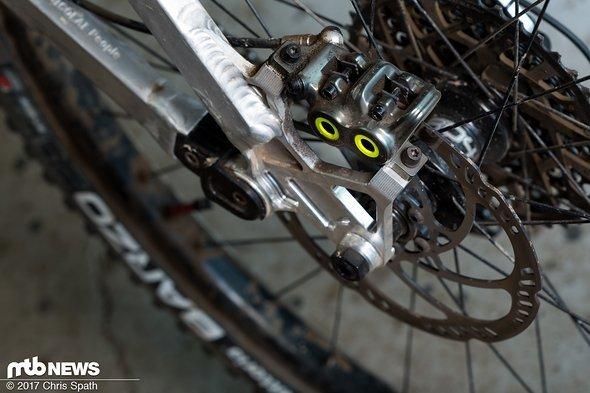 Am Bremssattel bietet die Magura MT7 mit vier Bremskolben ordentlich Druck.