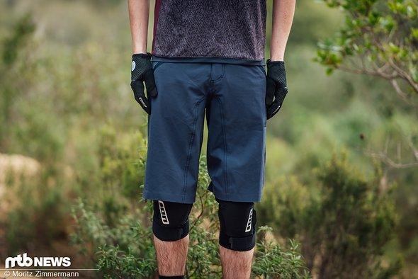 Die Ion Traze AMP Shorts kostet 99,95 € und ist in fünf Größe sowie vier Farben erhältlich.