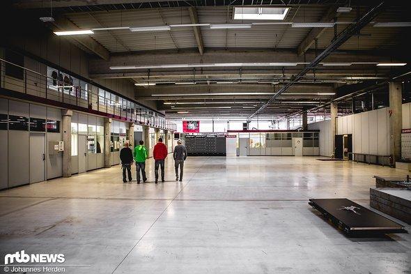 ...und große, aktuell leere Hallen
