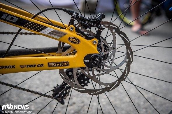Die größeren Laufräder passen nur im langen Radstand durch den Serienhinterbau