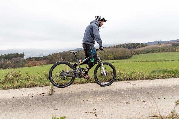 Beim Anlupfen springen viele Biker weit nach vorne anstatt nach oben.