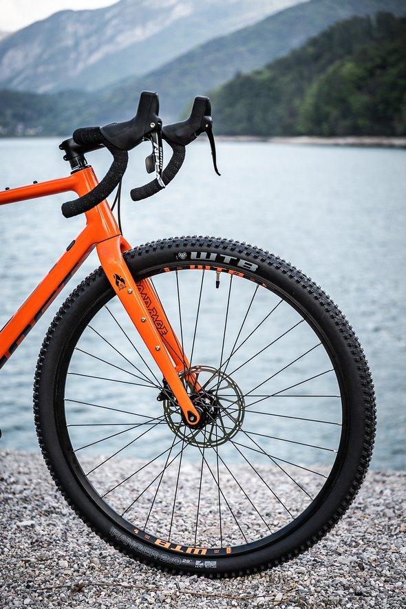 """2,0"""" breite Reifen sollen für den nötigen Komfort auf Schotterpisten sorgen"""