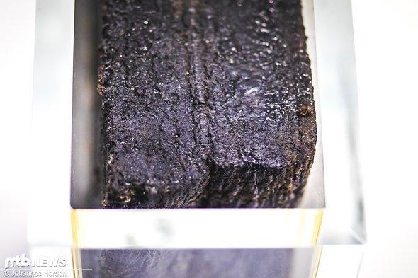 Kautschuk: Ein Naturprodukt, das aus Gummibäumen hergestellt wird
