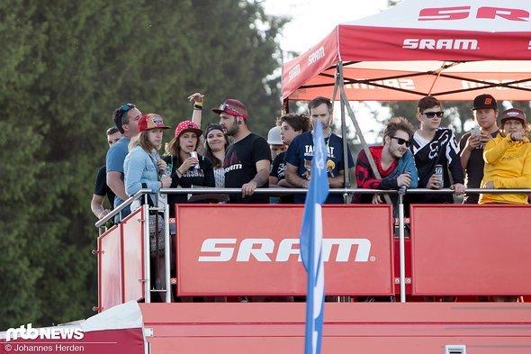 Ebenfalls beste Aussicht: Auf dem SRAM-Truck