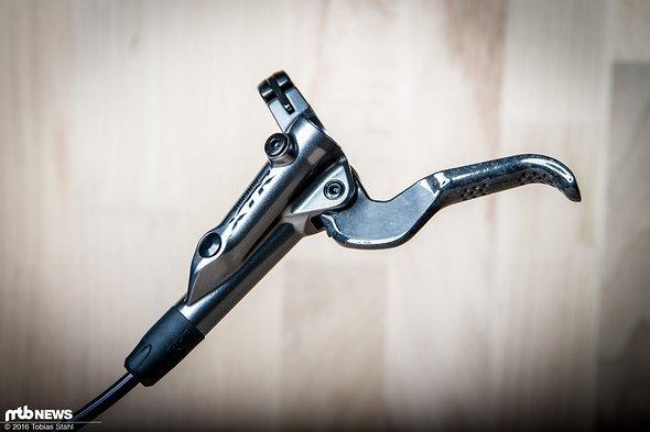 Schlank und abgespeckt: Gegenüber der XTR Trail (M9020) verfügt die XTR Race über einen Magnesium Geberzylinder