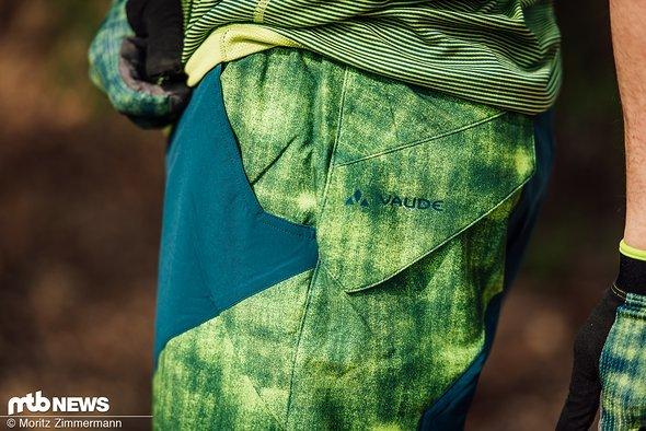 Das Material der Vaude Slickrock Shorts erinnert zunächst etwas an eine Badehose, sorgt aber für einen hohen Tragekomfort.