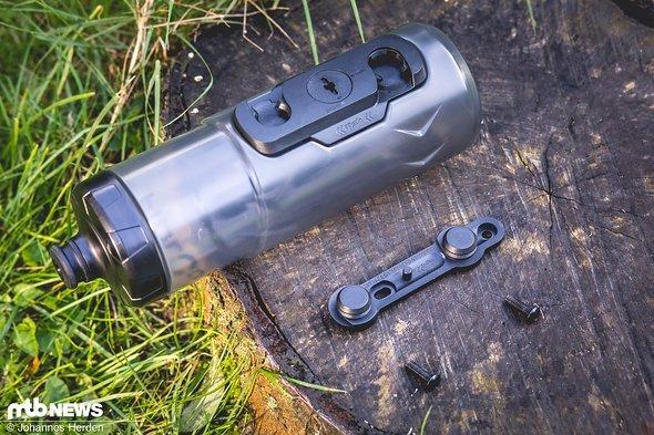 Das Fidlock-System besteht aus der Magnethalterung, zwei Schrauben und der Flasche