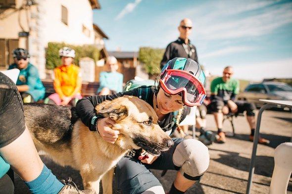 pyrenees-orientales-altitude-adventures-mtb-outsideisfree-tina-doggo