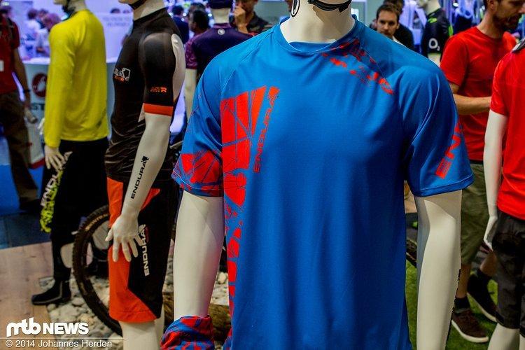 Endura kommt für 2015 in frischen Farben, zum Beispiel hier beim Singletrack T-Shirt