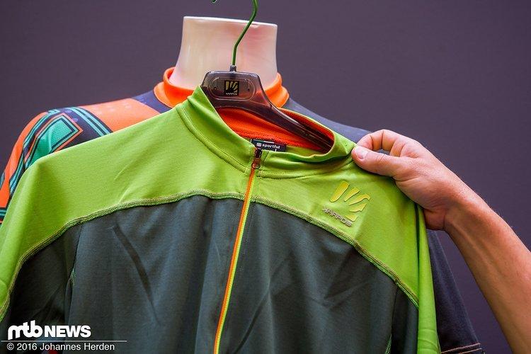Inspiriert vom Rennradsport kommt das Teck Jersey mit Reißverschluss über die ganze Länge