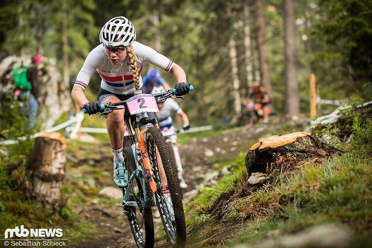 Als etatmäßige U23-Fahrerin im Crossweltcup bärenstark unterwegs: Evie Richards. Wir dürfen gespannt sein auf ihre MTB-Saison!