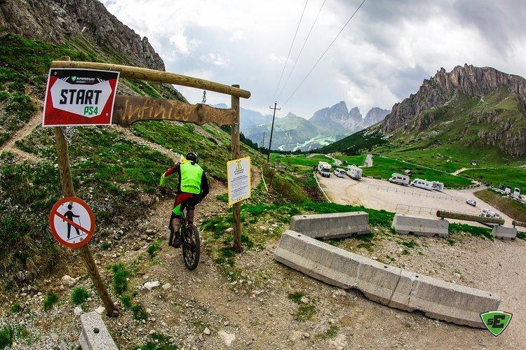 Canazei beeindruckt mit Dolomiten-Panorama