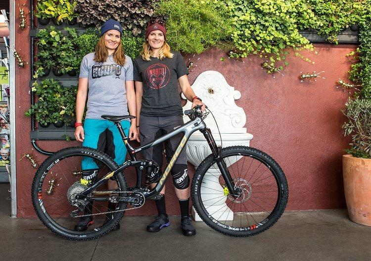 Nach drei erfolgreichen Jahren auf Ibis gehen die beiden Zwillinge Carolin und Anita Gehrig 2018 auf Norco-Bikes an den Start.