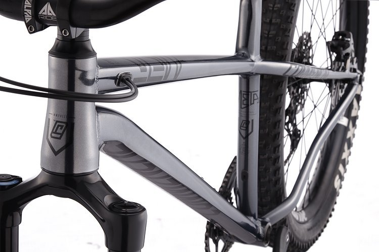 META-HT-AM-ESSENTIAL-GREY-(TOP-TUBE)