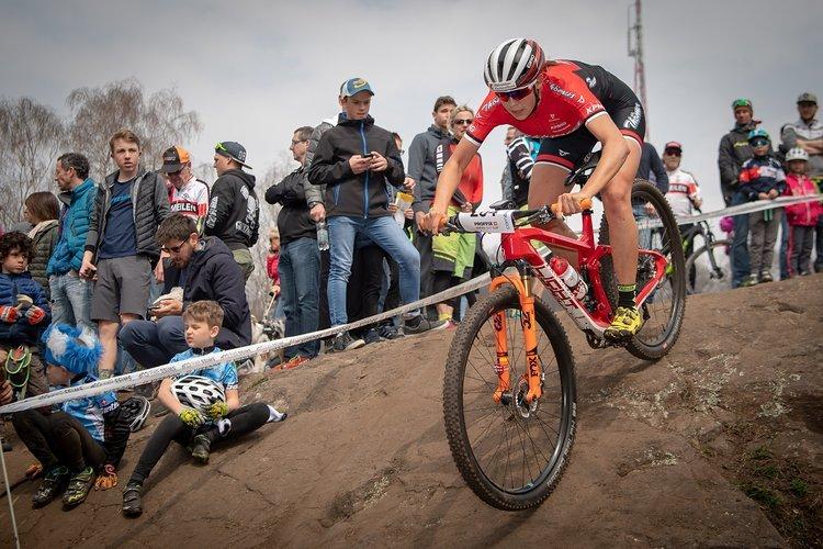 Technische Probleme bei der Weltmeisterin Jolanda Neff machten beim ersten Rennen des Proffix Swiss Bike Cup den Weg frei für Alessandra Keller zum ersten Saisonsieg