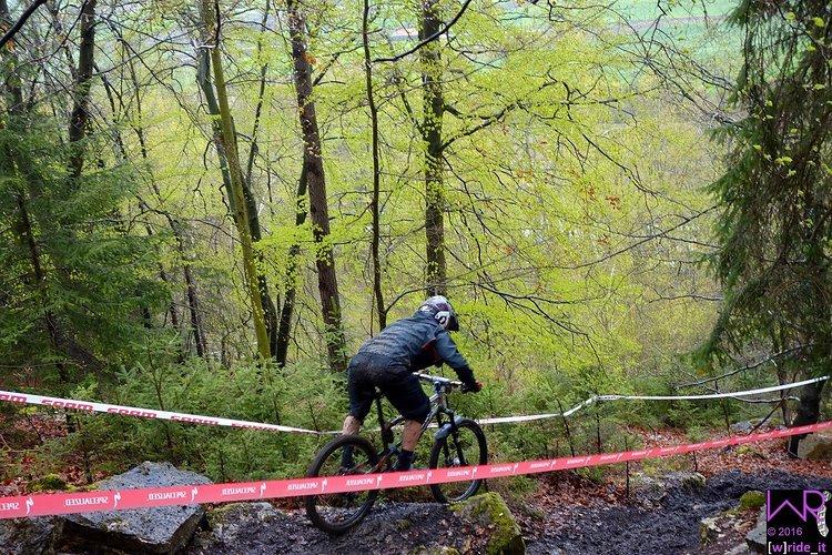 Luca Biwer im unteren Teil des Rockgardens auf Stage 1