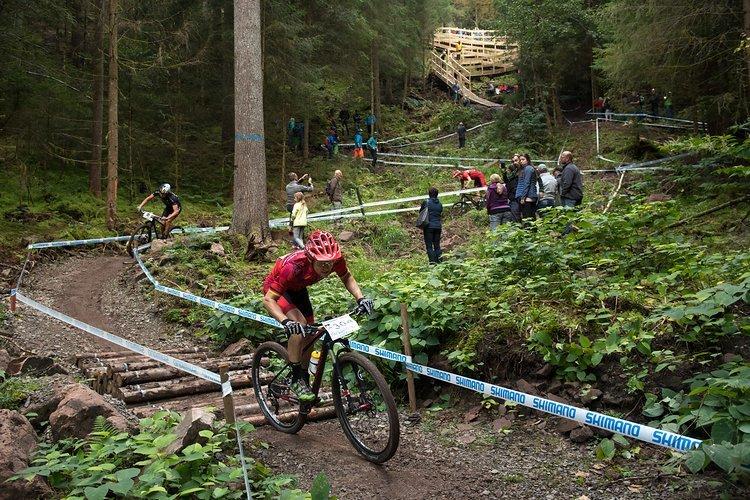 Erstmals wurden auf der neu angelegten Trailstrecke in Freudenstadt Cross-Countr-Rennen ausgetragen. Der rutschige Untergrund sorgte für einige größere fahrtechnische Herausforderungen