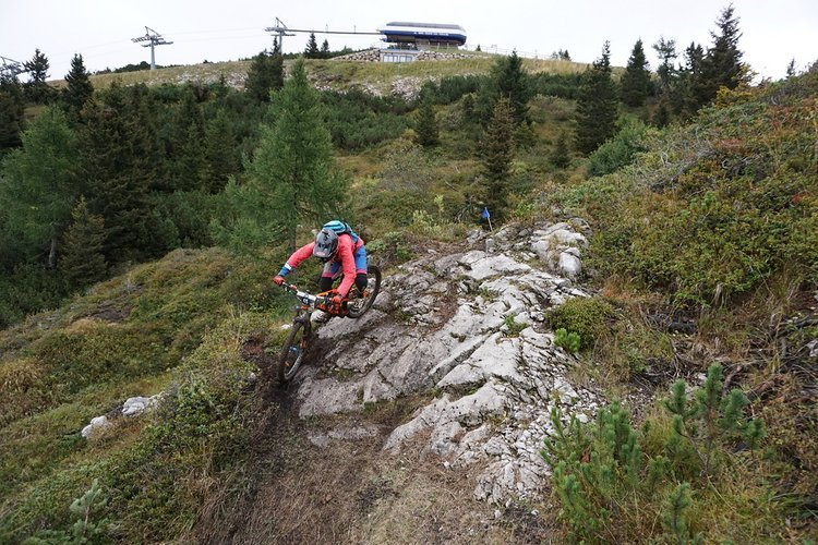 Franzi Meyer in Action in der Nordflanke des Paganella-Gipfels