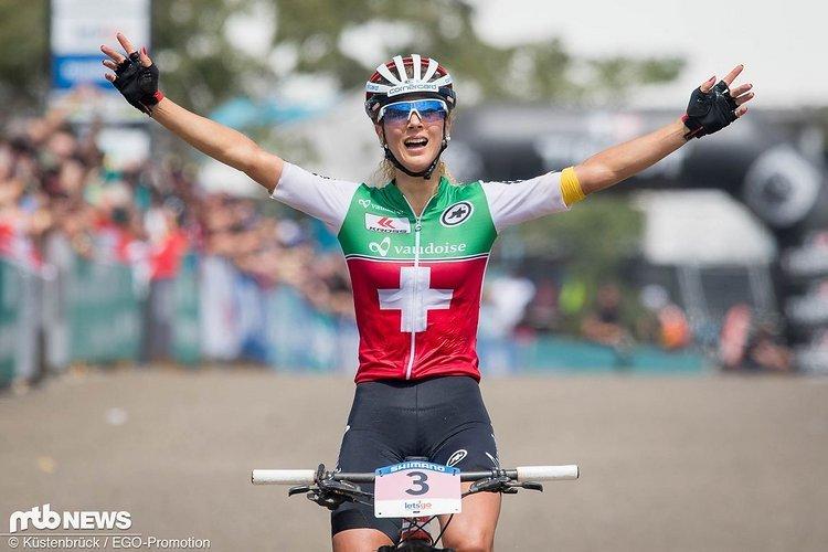 Die XC-Weltmeisterin versucht sich auch im Cross. Bei ihrem ersten Weltcup schlug sich die Schweizerin achtbar.