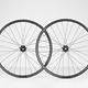 Für den Line Elite 30-Laufradsatz ruft Bontrager einen Preis von rund 900 € auf. Gewichtstechnisch rangieren die Carbon-Laufräder bei rund 1.890 g.